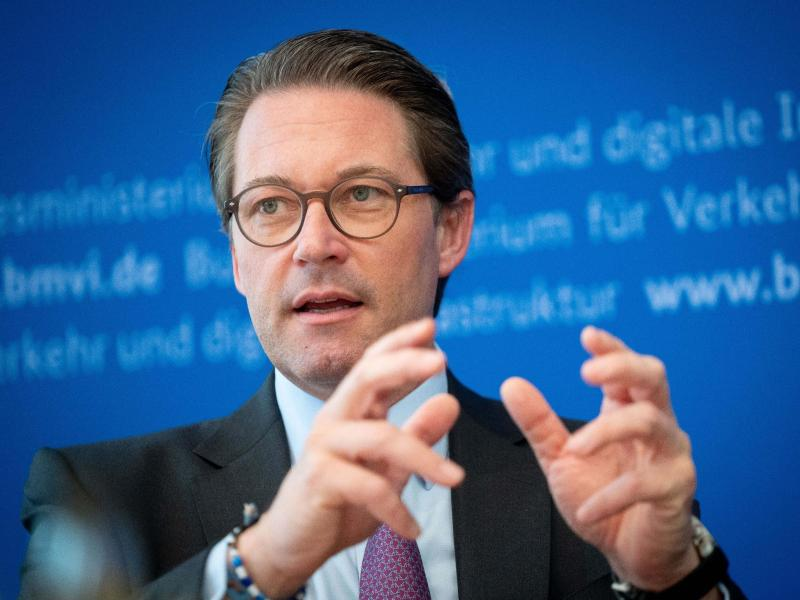 Bundesverkehrsminister Andreas Scheuer würde noch eine Runde verlängern. Foto: Kay Nietfeld/dpa