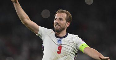 Englands Harry Kane feiert den Finaleinzug. Foto: Paul Ellis/Pool AFP/AP/dpa