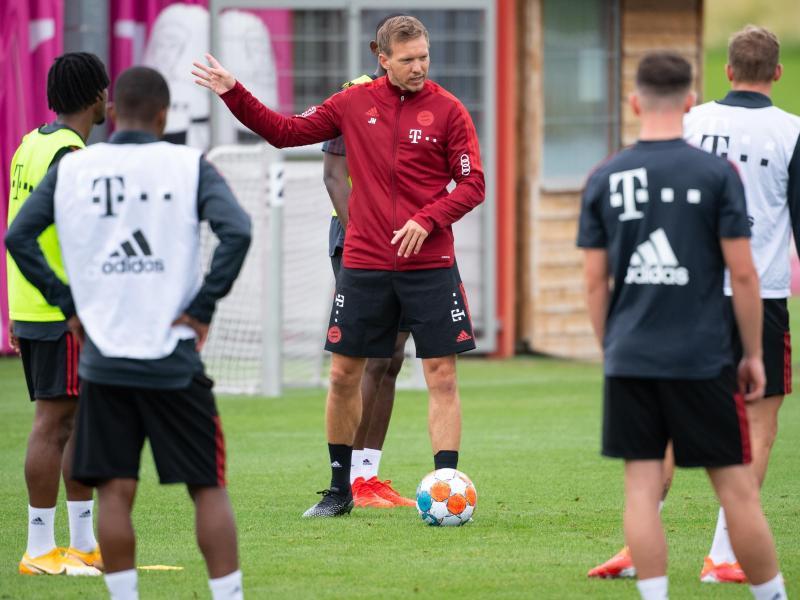 Das ersteSpiel für den neuenBayern-Trainer Julian Nagelsmann (M) steht an: Am 17. Juli in Villingen gegen den 1. FCKöln. Foto: Sven Hoppe/dpa
