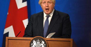 Boris Johnson äußert sich bei einer Pressekonferenz zur Corona-Pandemie. Foto: Daniel Leal-Olivas/PA Wire/dpa