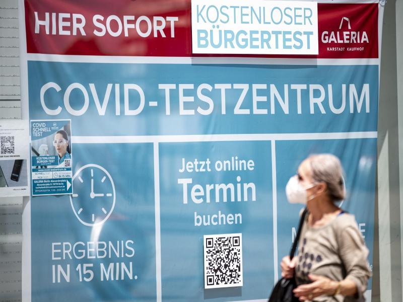 Die Sieben-Tage-Inzidenz war in der Pandemie bisher Grundlage für viele Corona-Einschränkungen. Foto: Fabian Sommer/dpa