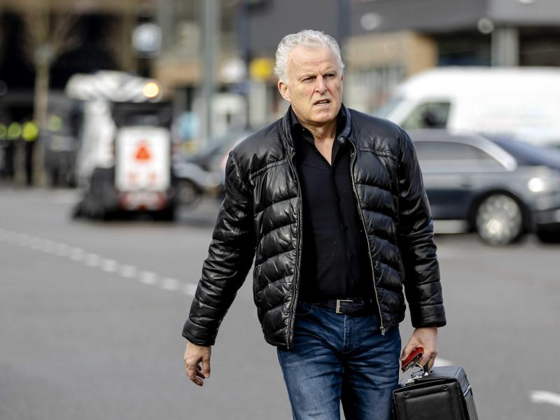 Der niederländische Kriminalreporter Peter R. de Vries ist seinen schweren Verletzungen erlegen. Foto: Robin Van Lonkhuijsen/ANP/dpa