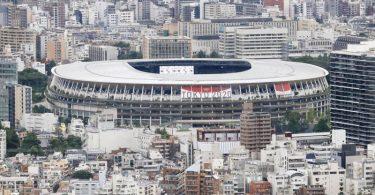 Die Eröffnungsfeier im weitgehend leeren Olympiastadion steht unter dem Motto «Vereint durch Emotionen». Foto: ---/kyodo/dpa