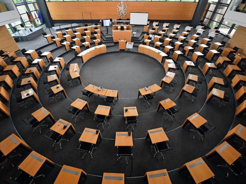 Der Plenarsaal des Thüringer Landtags. Foto: Martin Schutt/dpa-Zentralbild/dpa