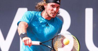 Hat das Viertelfinale in Hamburg überraschend verloren: Stefanos Tsitsipas. Foto: Daniel Bockwoldt/dpa