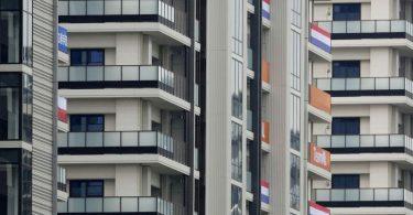 Das Athletendorf für die Olympischen Spiele in Tokio, steht im Hafenviertel Harumi der Hauptstadt. Foto: ---/Kyodo/dpa