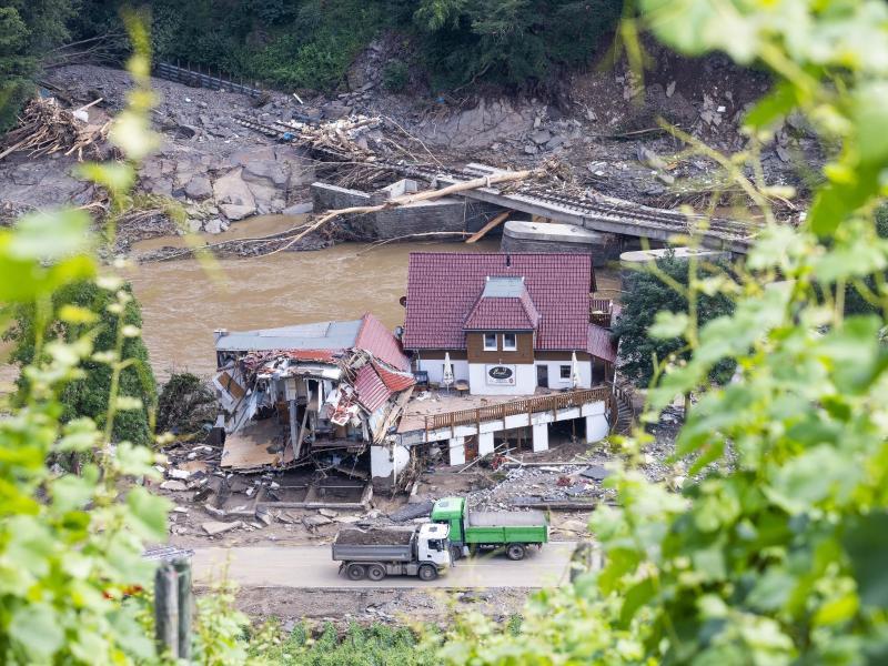 Ein vom Fluss Ahr zerstörtes Haus in Marienthal. Foto: Philipp von Ditfurth/dpa