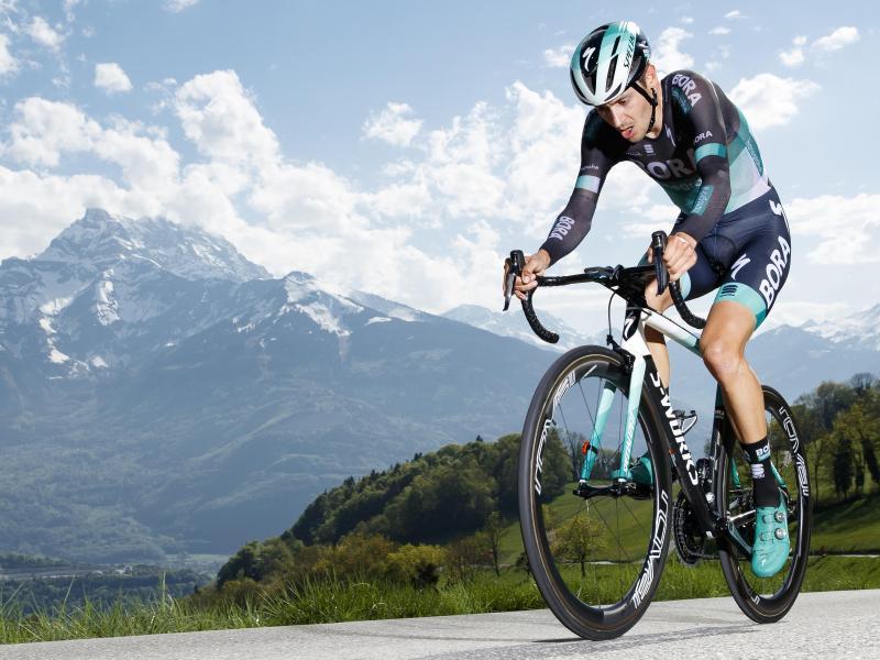 Buchmann hatte auf der diesjährigen Tour zu kämpfen, auch mit einem Infekt während des Rennens. Foto: Valentin Flauraud/KEYSTONE/dpa