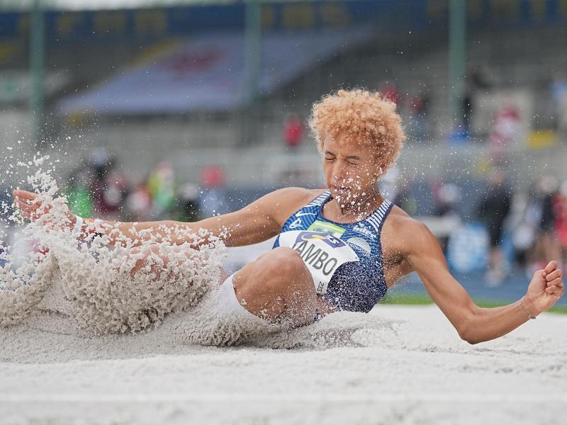 Deutsche Medaillen-Hoffnung für Tokio: Weitspringerin Malaika Mihambo in Aktion. Foto: Michael Kappeler/dpa