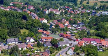 Idylle im Grünen? Die Kleinstadt Gadebusch im Landkreis Nordwestmecklenburg. Foto: Jens Büttner/dpa-Zentralbild/dpa