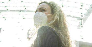 FFP2-Masken müssen richtig sitzen, sonst schützen sie nicht so gut. Foto: Christin Klose/dpa-tmn