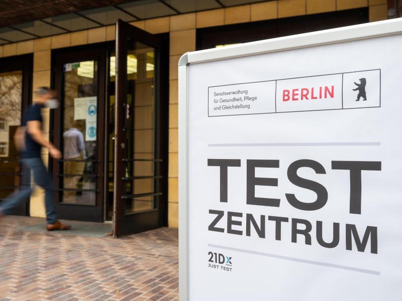 Ein Corona-Testzentrum in der deutschen Bundeshauptstadt. Foto: Christophe Gateau/dpa