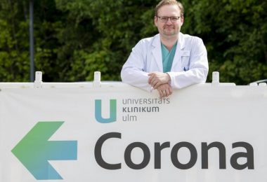 Der Internist Dominik Buckert arbeitet als Oberarzt in einer Spezialambulanz für Covid-Spätfolgen an der Uniklinik Ulm. Foto: Stefan Puchner/dpa