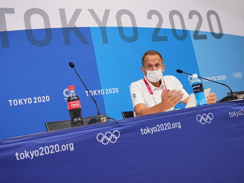Alfons Hörmann bei der ersten deutschen Pressekonferenz in Tokio. Foto: Michael Kappeler/dpa
