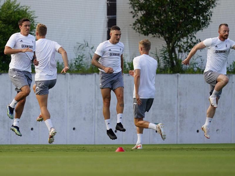 Bereit für Brasilien: Deutschlands Fußballer schauen dem Olmpia-Start entgegen. Foto: Matt Slocum/AP/dpa