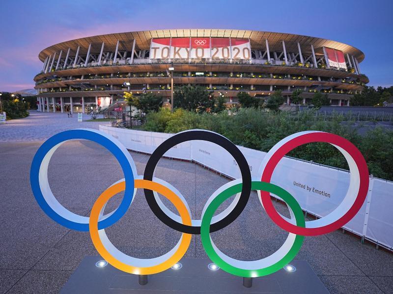 Die Eröffnungsfeier findet im Olympiastadion von Tokio statt. Foto: Michael Kappeler/dpa