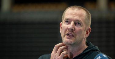 Bundestrainer Henrik Rödl hofft auf einen erfolgreichen Olympia-Auftakt. Foto: Harald Tittel/dpa