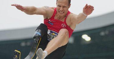 Darf nicht an Olympia für Nichtbehinderte teilnehmen: Markus Rehm. Foto: Michael Kappeler/dpa