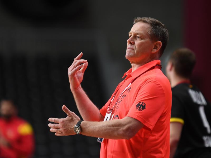 Deutschlands Trainer Alfred Gislason war nicht immer zufrieden. Foto: Swen Pförtner/dpa