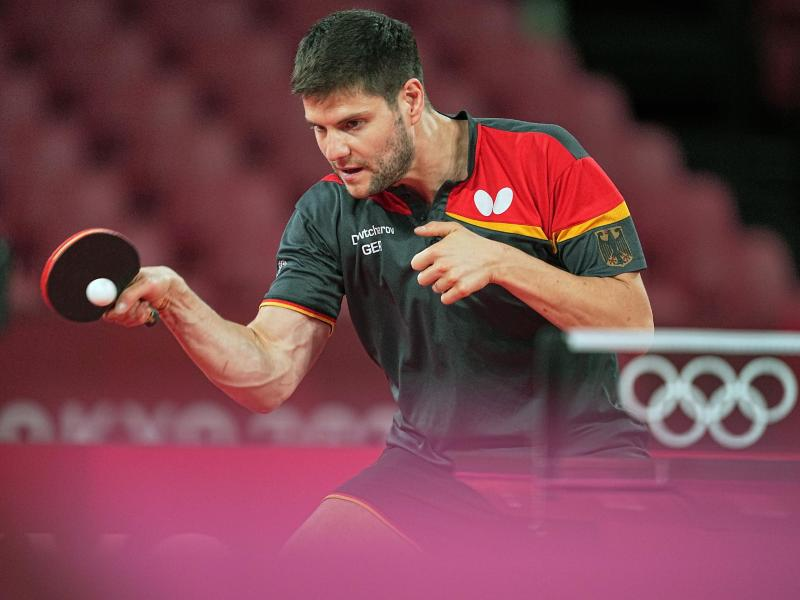 Tischtennis-Ass Dimitrij Ovtcharov hat sich ins Achtelfinale gespielt. Foto: Michael Kappeler/dpa