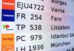 Ankunftstafel am Flughafen Berlin-Brandburg (BER) - eine generelle Testpflicht besteht bisher für alle Flugpassagiere. Foto: Jens Kalaene/dpa