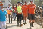 Freiwillige Helfer im stark von der Flut betroffenen Altenahr. Foto: Thomas Frey/dpa