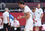 Uwe Gensheimer hadert mit der knappen Niederlage gegen Frankreich. Foto: Swen Pförtner/dpa