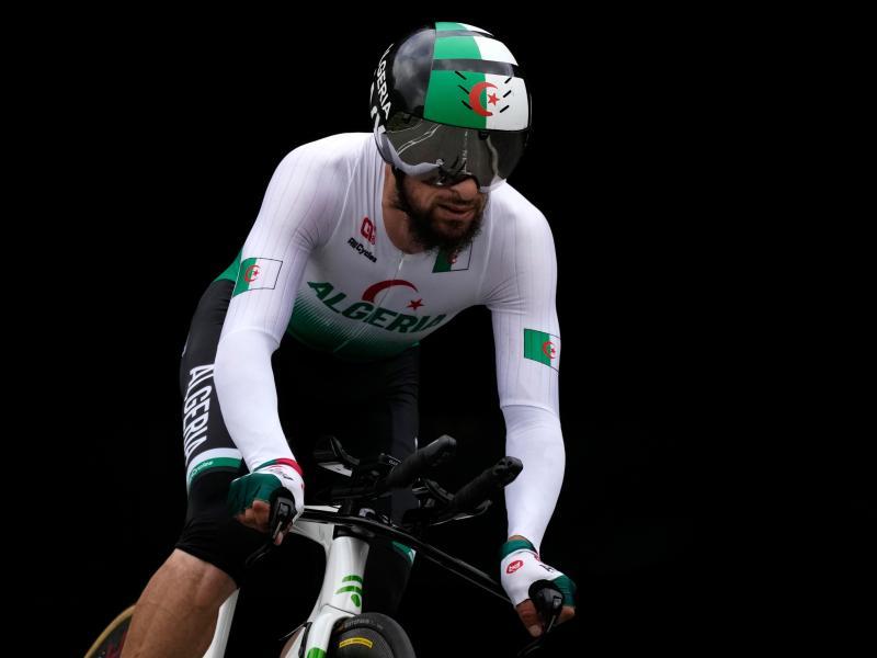 Der Algerier Azzedine Lagab hat auf die rassistische Entgleisung des deutschen Rad-Sportdirektors Patrick Moster reagiert. Foto: Christophe Ena/AP/dpa