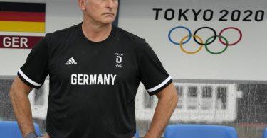 Auch an DFB-Trainer Stefan Kuntz sind die letzten Monate nicht spurlos vorbeigegangen. Foto: Andre Penner/AP/dpa