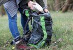 Statt Traubenzucker zu snacken, sollten Wanderer und Radler lieber eine Brotzeit dabei haben. Foto: Christin Klose/dpa-tmn