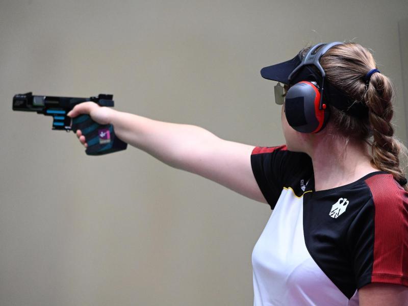 Doreen Vennekamp hat das Finale erreicht. Foto: Swen Pförtner/dpa