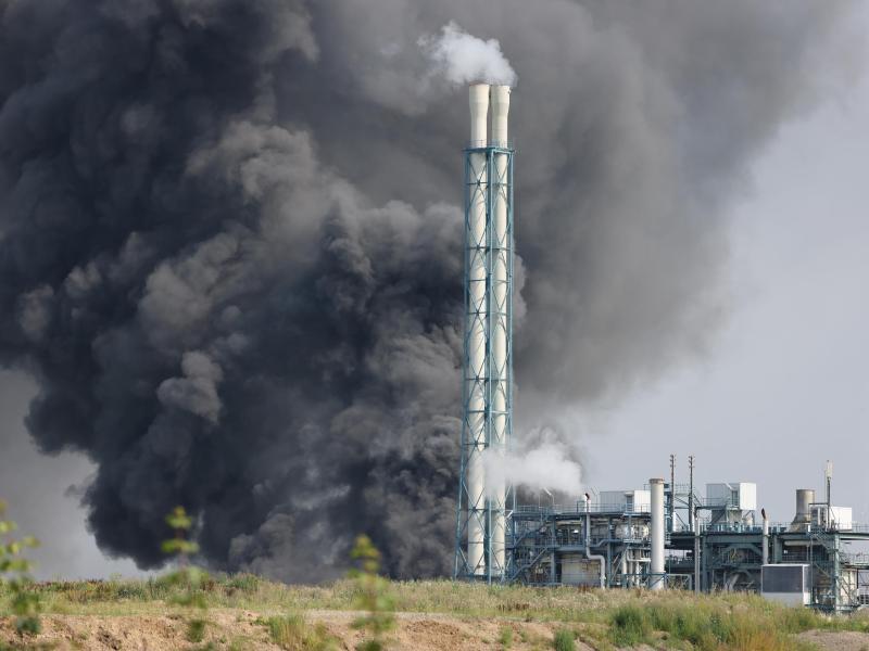 Die Untersuchungen der Ruß- und Staubrückstände haben nur eine geringe Schadstoffbelastung ergeben. Foto: Oliver Berg/dpa