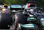 Lewis Hamilton (vorne) startet in Ungarn von der Pole, Max Verstappen von Platz drei. Foto: Darko Bandic/AP/dpa