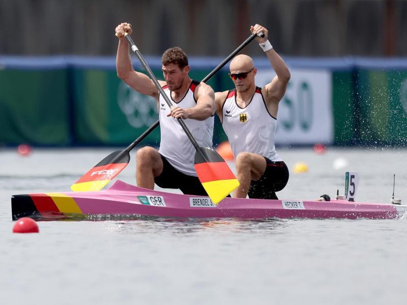 Die Kanuten Sebastian Brendel und Tim Hecker (r) haben den Vorlauf erfolgreich absolviert. Foto: Jan Woitas/dpa-Zentralbild/dpa
