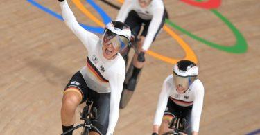 Der deutsche Frauen-Bahnrad-Vierer stellte in Tokio einen neun Weltrekord auf. Foto: Sebastian Gollnow/dpa
