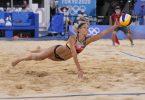 Beachvolleyballerin Laura Ludwig und ihre Partnerin Margareta Kozuch sind im Viertelfinale ausgeschieden. Foto: Petros Giannakouris/AP/dpa