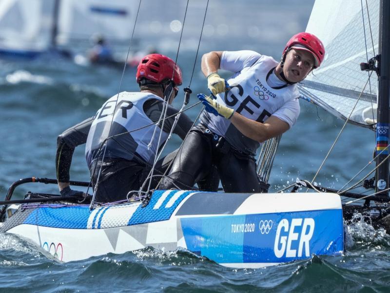 Segelte in Japan zu Olympia-Bronze: Alicia Stuhlemmer und Paul Kohlhoff. Foto: Bernat Armangue/AP/dpa