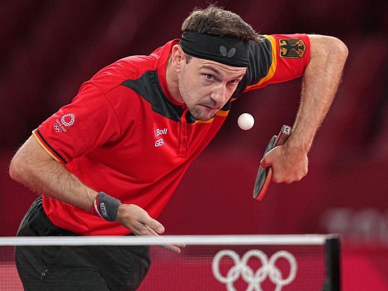 Das deutsche Herren-Tischtennis-Team um Timo Boll steht im Halbfinale. Foto: Michael Kappeler/dpa