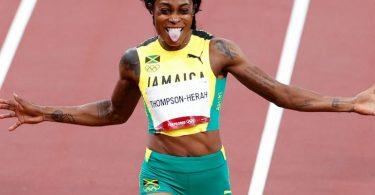 Holte sich nach der Goldmedaille über 100 Meter auch Gold über die doppelte Distanz: Elaine Thompson-Herah. Foto: Oliver Weiken/dpa
