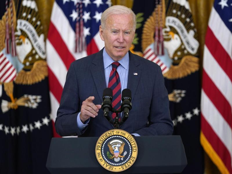 US-Präsident Biden fordert seinen Parteifreund, den New Yorker Gouverneur Cuomo, zum Rücktritt auf. Foto: Susan Walsh/AP/dpa