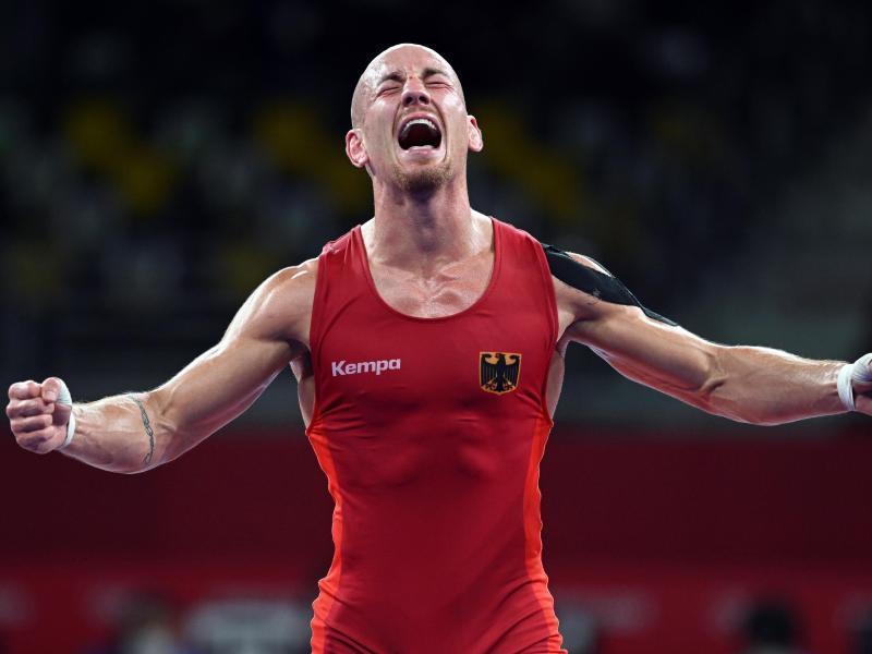 Frank Stäbler sicherte sich zum Abschluss seiner Karriere eine Bronzemedaille. Foto: Swen Pförtner/dpa