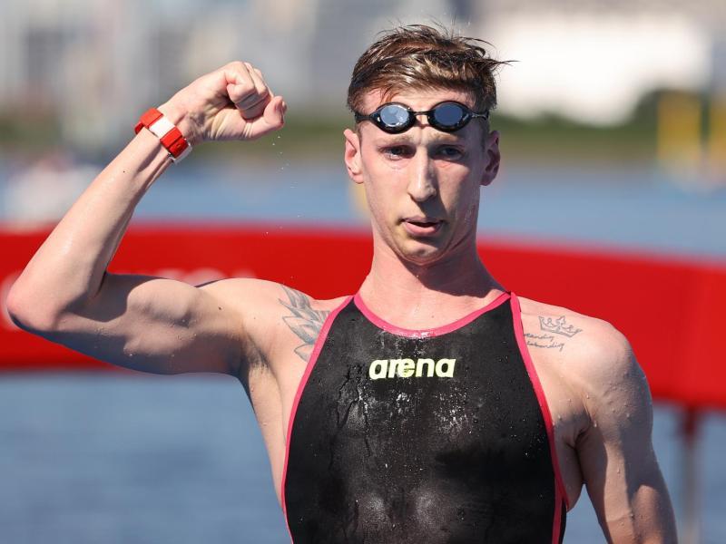 Dominierte das olympische Freiwasserschwimmen über zehn Kilometer: Florian Wellbrock. Foto: Oliver Weiken/dpa