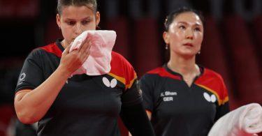 Die deutschen Tischtennisspielerinnen haben das kleine Finale gegen Hongkong verloren. Foto: Friso Gentsch/dpa