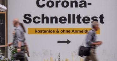 Eine Schnellteststelle in München. Foto: Peter Kneffel/dpa