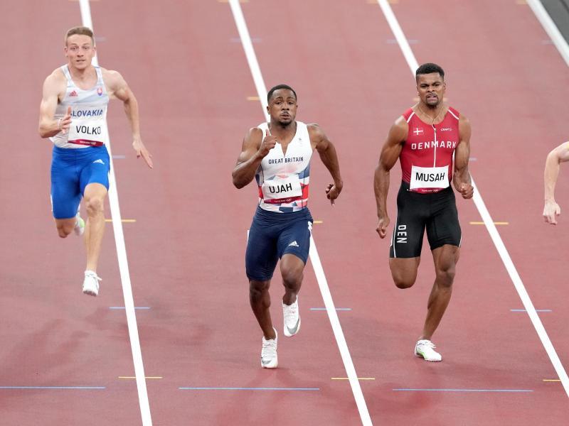Chijindu Ujah (2.v.l.) wurde wegen Dopingverdachts vorläufig gesperrt. Foto: Martin Rickett/PA Wire/dpa
