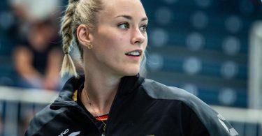 Diesmal wollen Louisa Lippmann und die deutschen Volleyballerinnen die EM-Medaillenspiele nicht aus der Zuschauerrolle verfolgen. Foto: Guido Kirchner/dpa