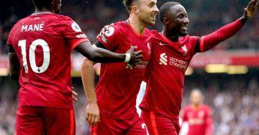 Der FC Liverpool um Sadio Mané, Diogo Jota und Keita Naby (l-r) ist top in Form. Foto: Mike Egerton/PA Wire/dpa