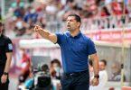 Trainer Dimitrios Grammozis war nach der klaren Schalker Niederlage angefressen. Foto: Matthias Balk/dpa