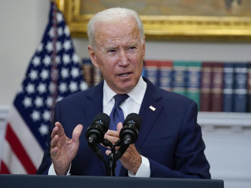 Joe Biden, Präsident der USA, spricht im Roosevelt Room des Weißen Hauses über den Fortschritt der Evakuierungen ausAfghanistan. Foto: Manuel Balce Ceneta/AP/dpa