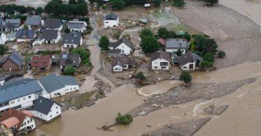 Mindestens 180 Menschen kamen bei der Hochwasserkatastrophe im Juli ums Leben. Foto: Boris Roessler/dpa